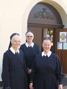 sisters-of-mary-6